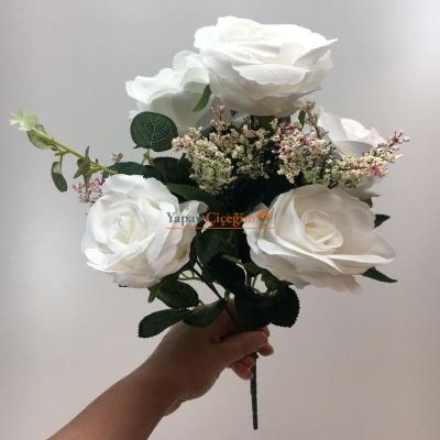 Beyaz Okaliptuslu Gül Demeti